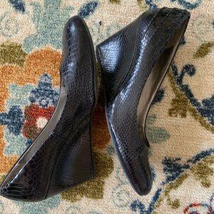 Bandolino Snakeskin Heels with Rounded Toe